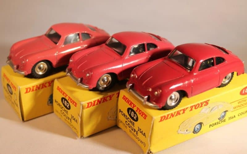Porsche 356A Coupe rubin rot with windows Ref 182 1:43 Dinky Toys DeAgostini