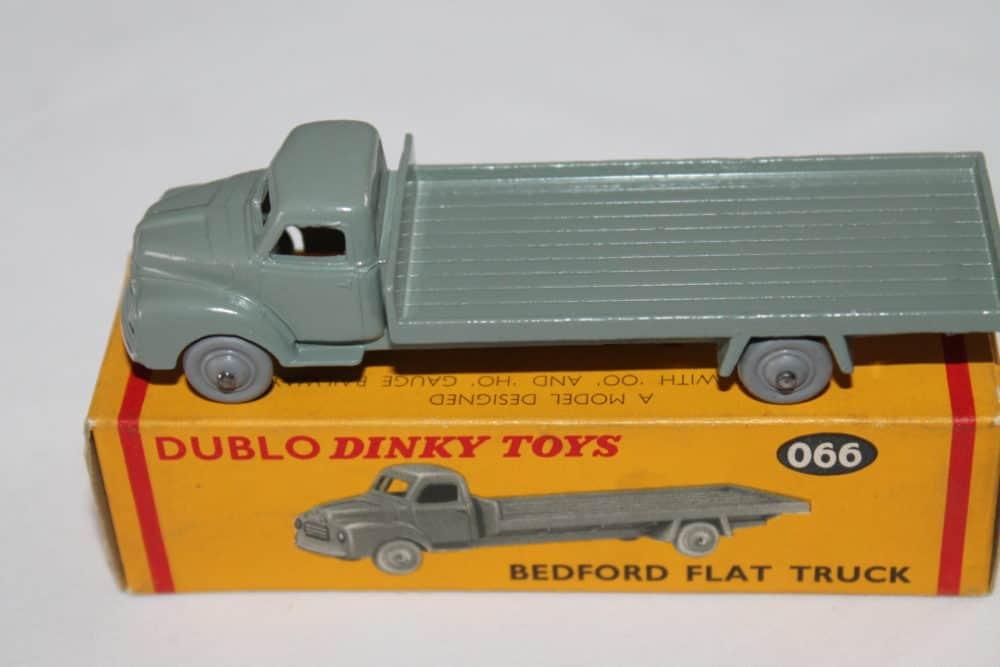 Dublo Dinky Toy 066 Bedford Flat Truck