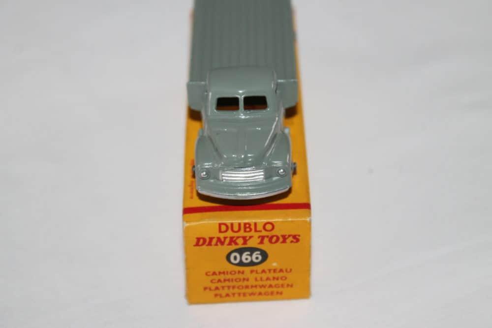 Dublo Dinky Toy 063 Commer Van-front