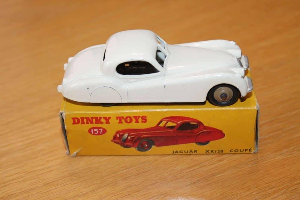 Dinky Toys 157 Jaguar XK120 White-side