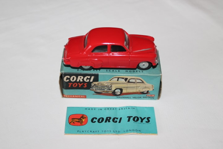 Corgi Toys 203M Vauxhall Velox Mechanical-side