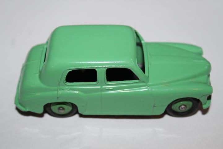 Dinky Toys 154 Hillman Minx -side
