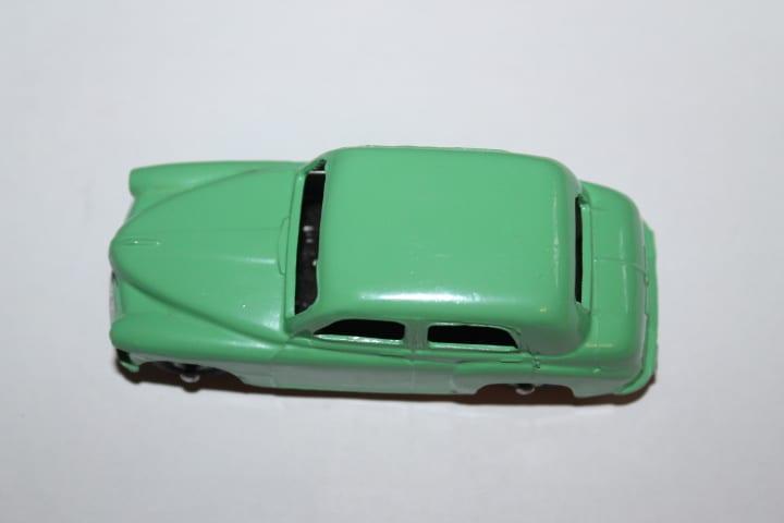 Dinky Toys 154 Hillman Minx -top