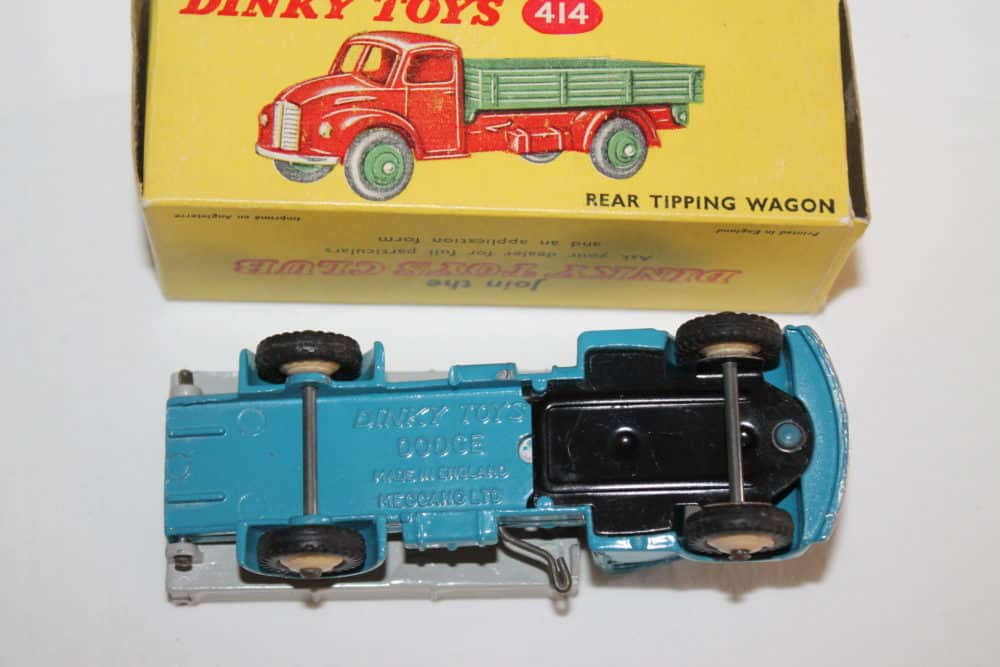 Dinky Toys 414 Dodge Rear Tipping Wagon-base