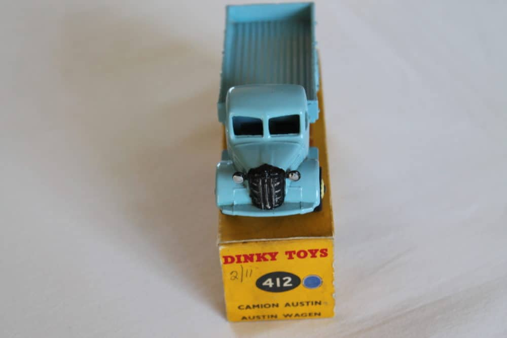 Dinky Toys 412 Austin Wagon-front