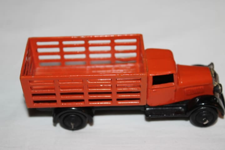 Dinky Toys 025F Market Gardners Lorry Type 4-side