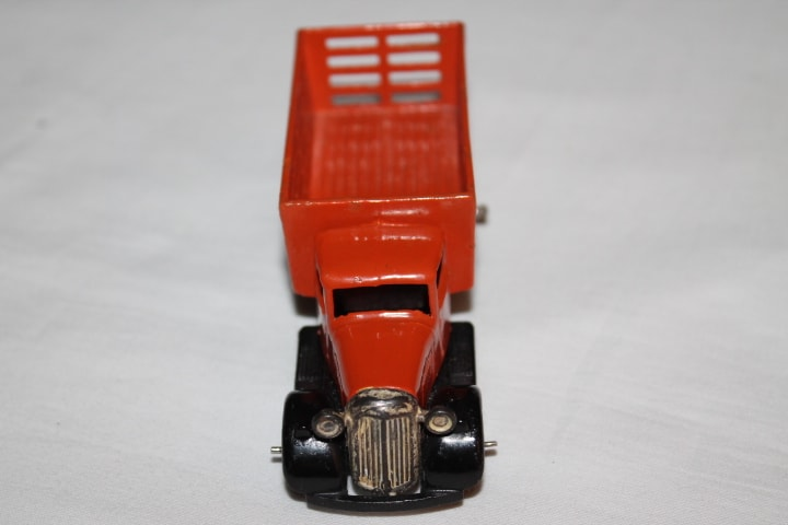 Dinky Toys 025F Market Gardners Lorry Type 4-front