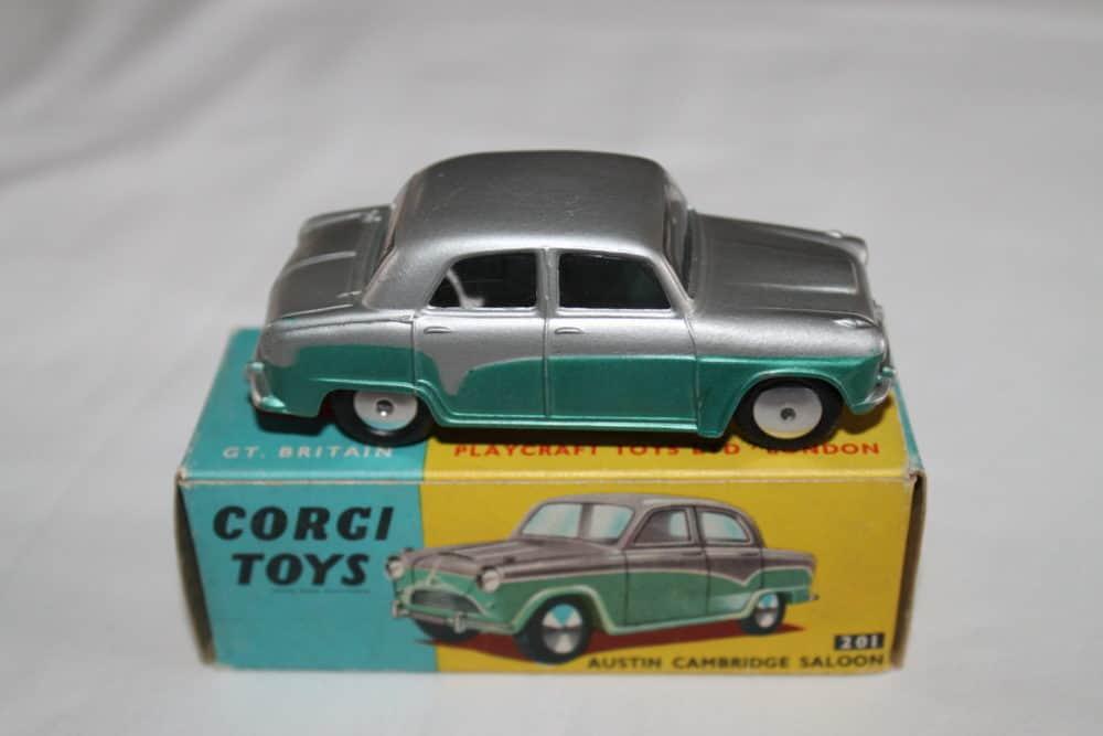 Corgi Toys 201 Austin Cambridge-side
