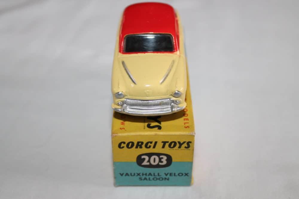 Corgi Toys 203 Vauxhall Velox Saloon-front