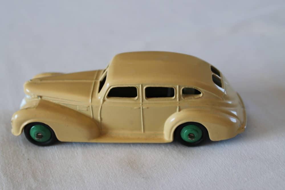 Dinky Toys 039EU Chyrsler Saloon