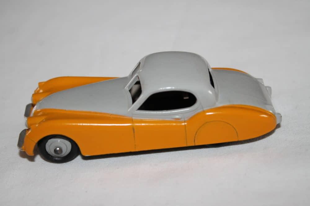 Dinky Toys 157 Jaguar XK 120