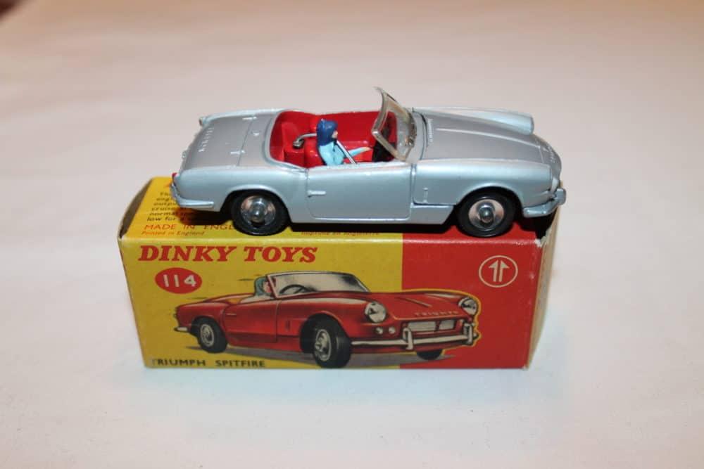 Dinky Toys 114 Triumph Spitfire-side