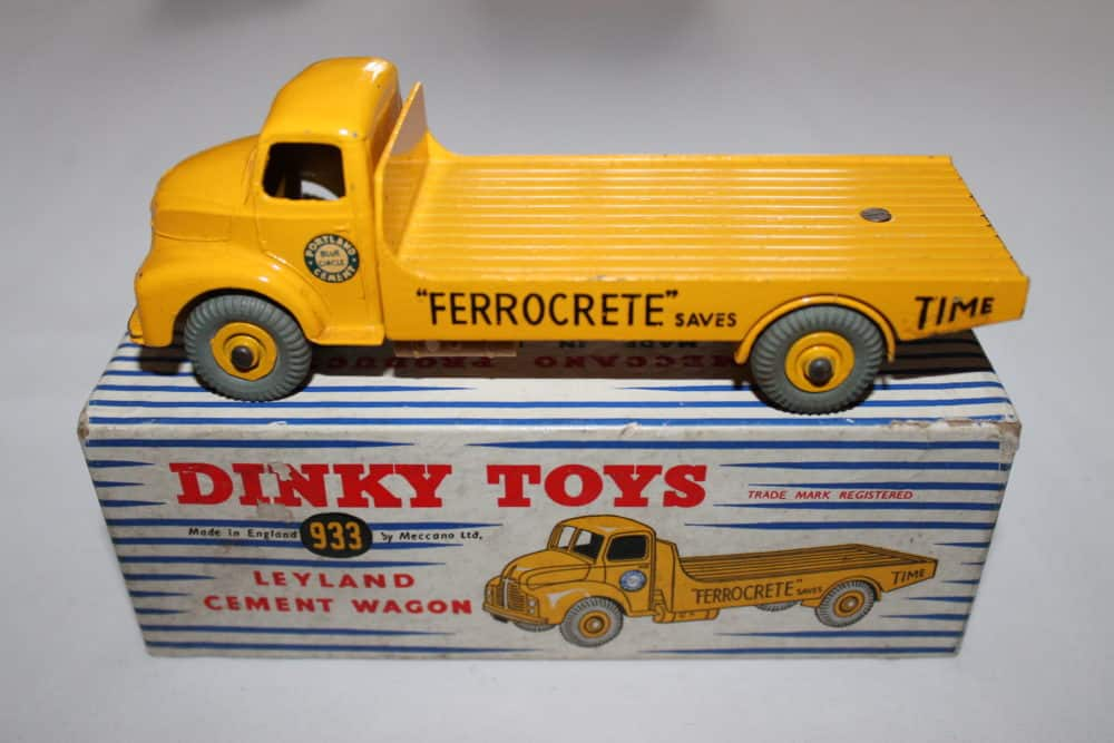 Dinky Toys 933 Leyland Cement Lorry