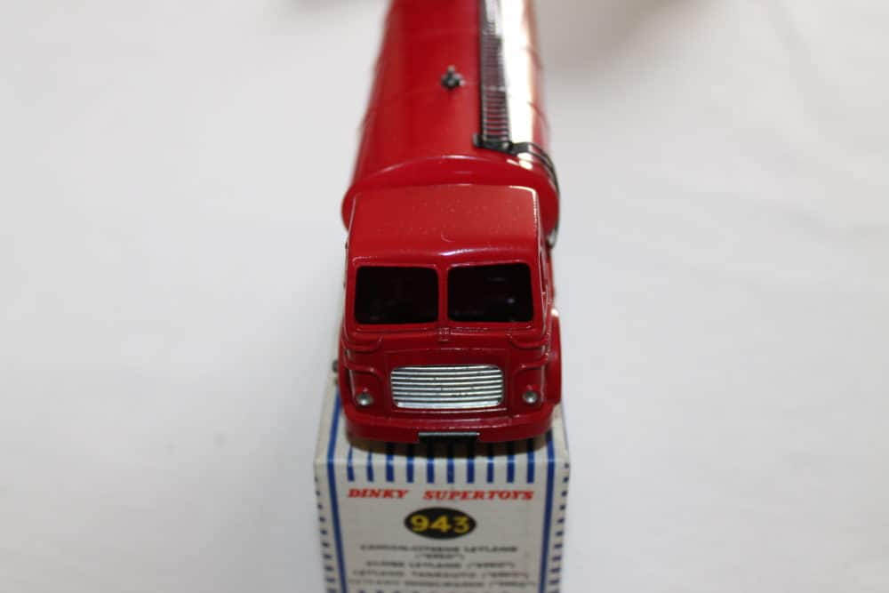 Dinky Toys 943 Leyland Octopus ESSO Tanker-front