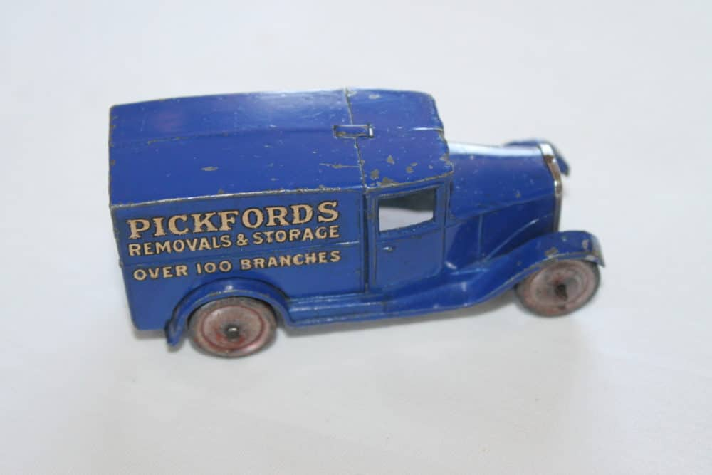 Dinky Toys 028B 'Pickfords' Delivery Van Type 1-side