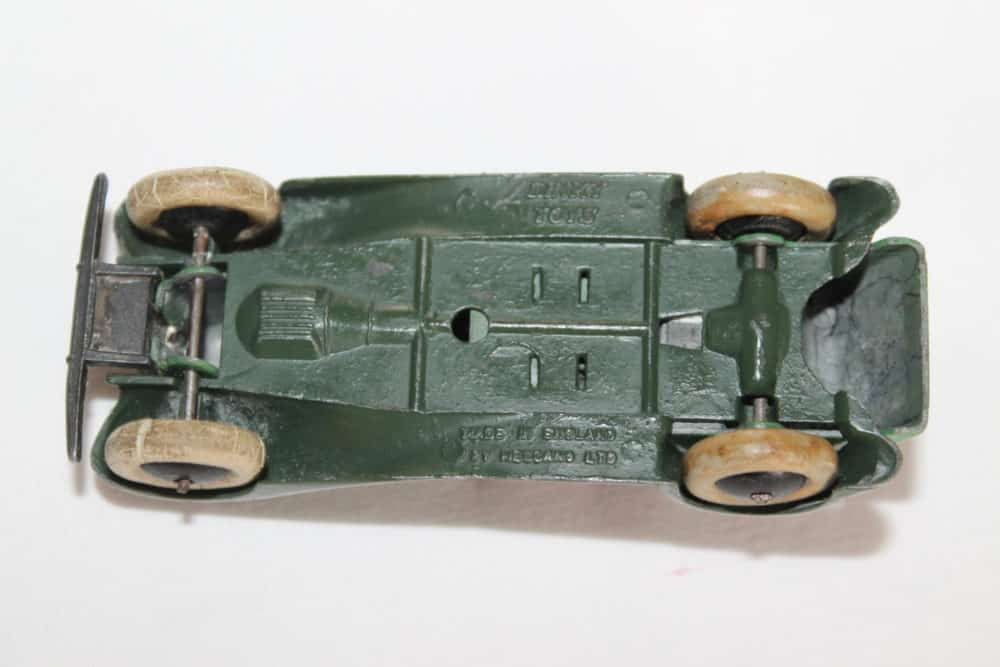 Dinky Toys Pre-War 036f 4 Seater Tourer with Driver-base