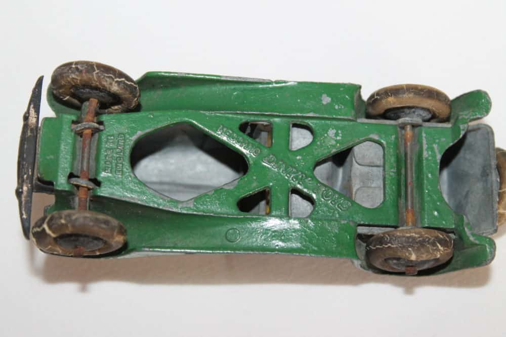 Dinky Toys 24g Sports Tourer 4 Seater Pre-War-base