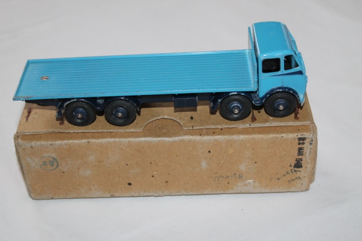 Dinky Toys 502 1st Cab Foden Flat truck-side