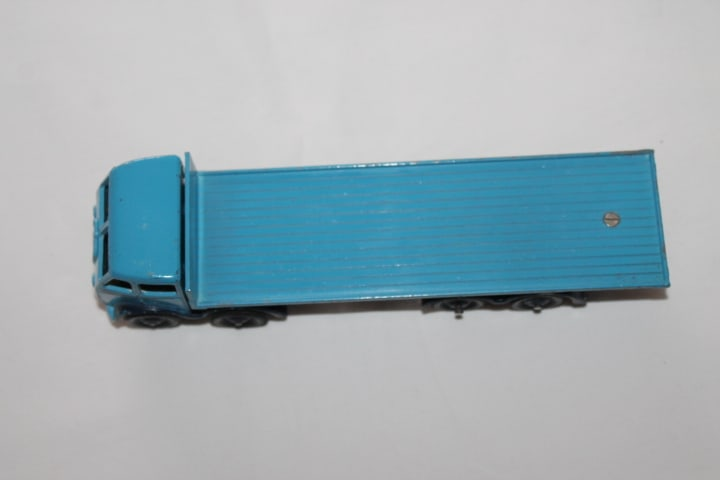 Dinky Toys 502 1st Cab Foden Flat truck-top