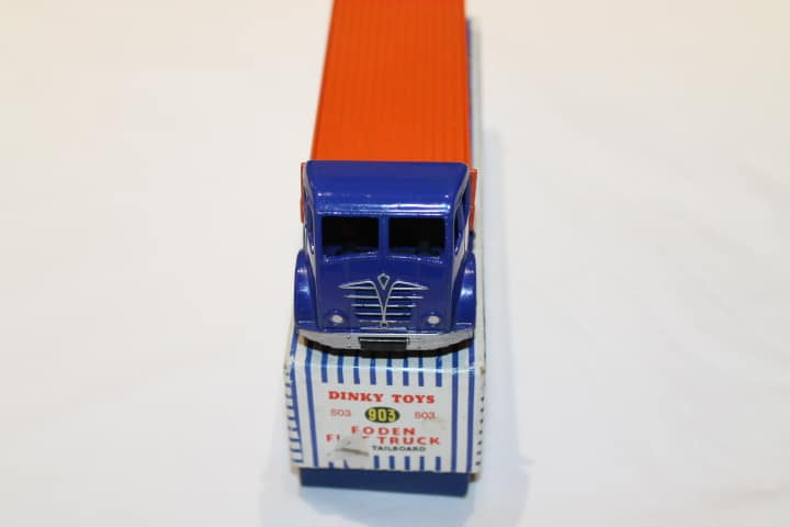 Dinky Toys 903/503 2nd Cab Foden Flat truck with Tailboard-front