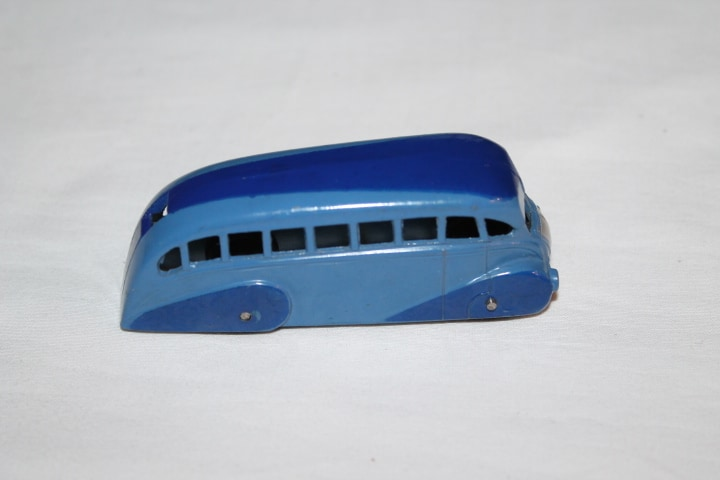 Dinky Toys 029B Streamlined Bus-side
