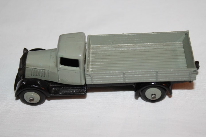 Dinky Toys 025E Tipping Wagon