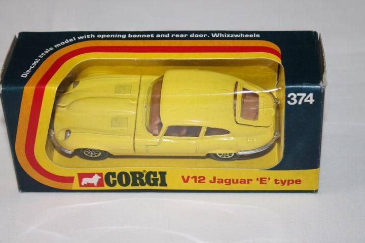Corgi Toys 374 V12 Jaguar 'E' Type