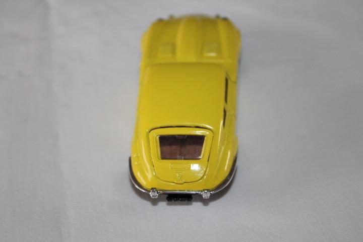 Corgi Toys 374 V12 Jaguar 'E' Type-back
