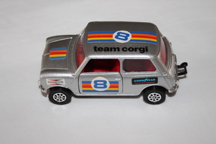 Corgi Toys 201 Mini 1000-leftside
