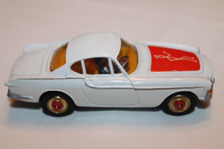 Corgi Toys 201 Volvo P.1800 The 'Saint's Car-Red Spot wheels-rightside