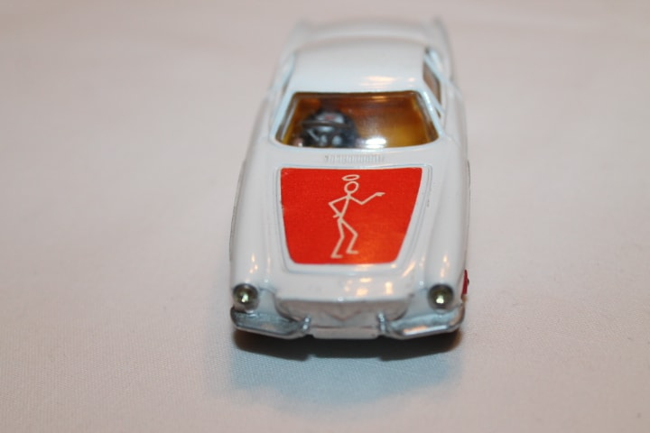 Corgi Toys 201 Volvo P.1800 The 'Saint's Car-Red Spot wheels-front