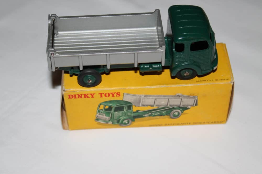 French Dinky Toys 033B Simca cargo Truck-side