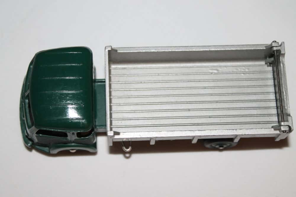 French Dinky Toys 033B Simca cargo Truck-top
