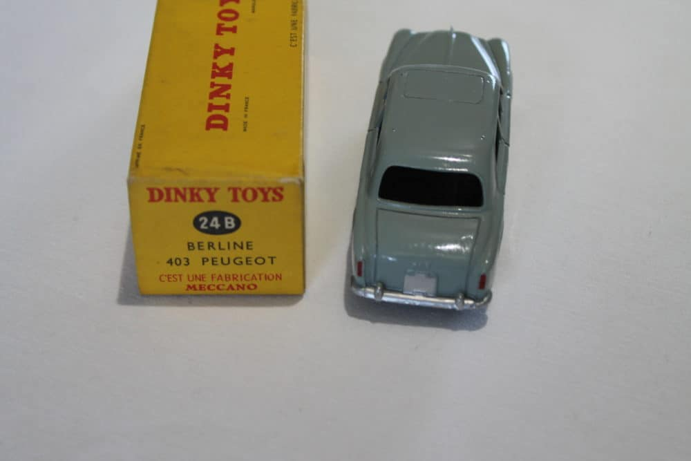French Dinky Toys 024B Berline 403 Peugeot-back