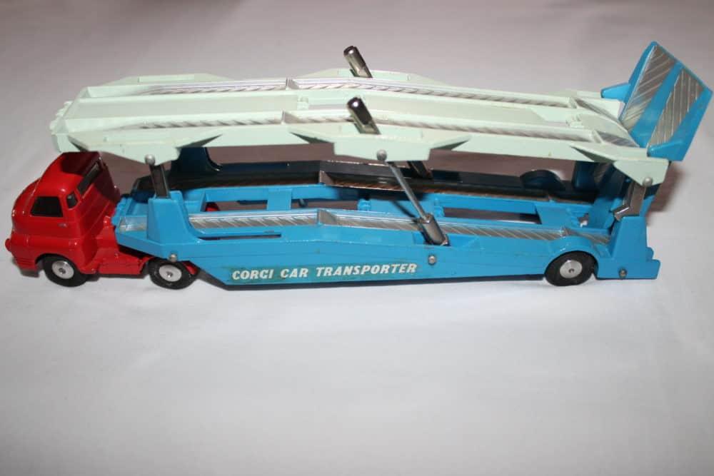 Corgi Toys 1101 Bedford Car Transporter-leftside