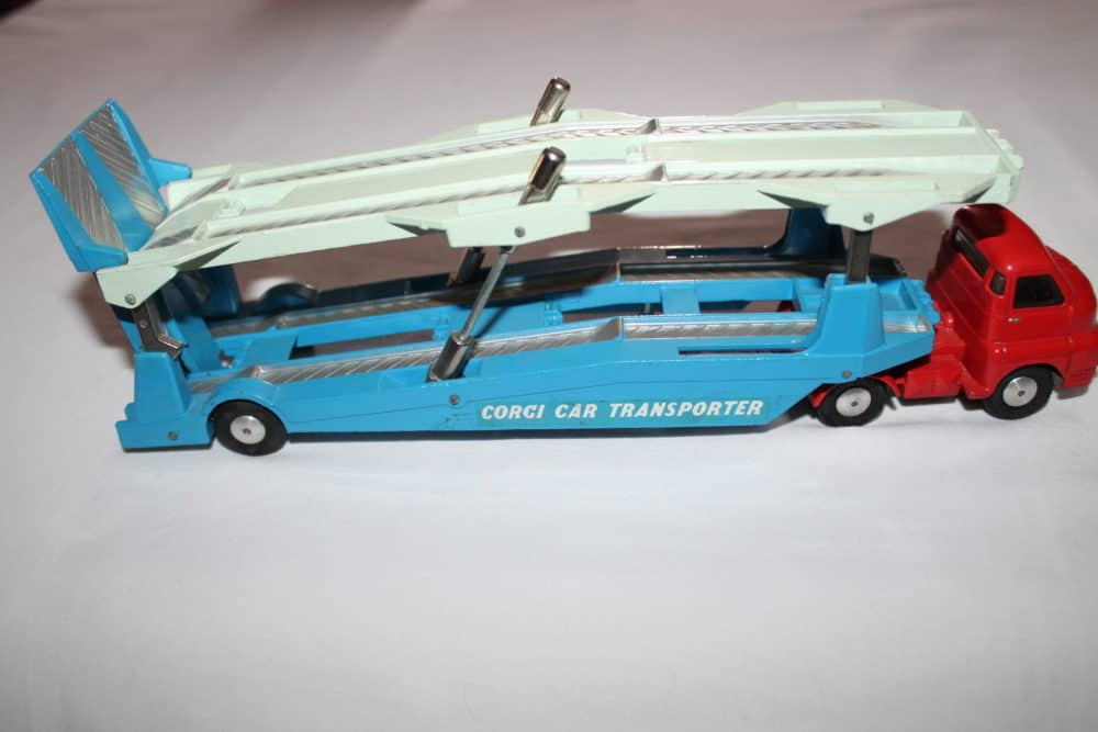 Corgi Toys 1101 Bedford Car Transporter-rightside
