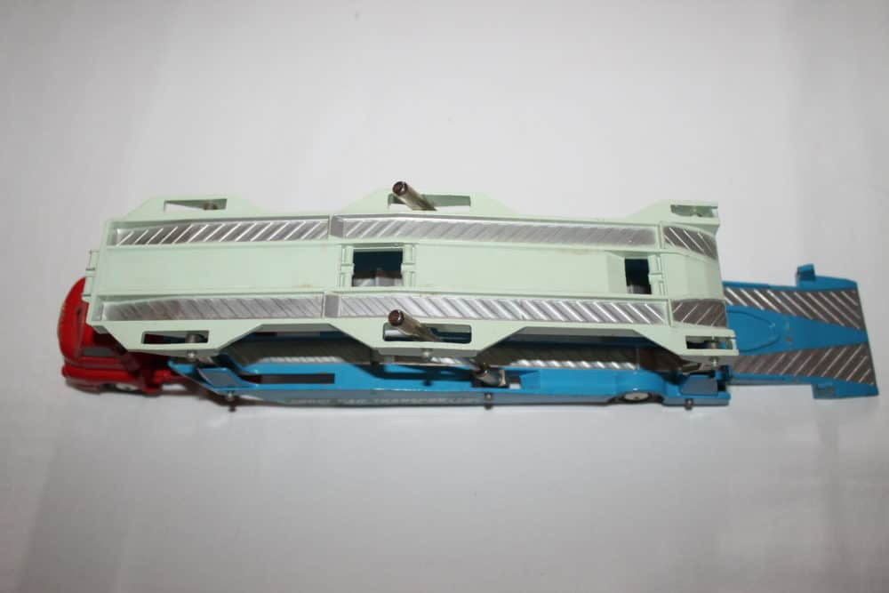 Corgi Toys 1101 Bedford Car Transporter-top