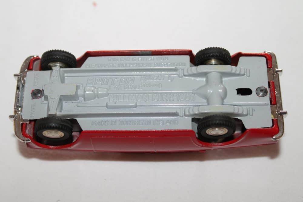 Spot-On Toys 287 Hillman Minx Deluxe-base