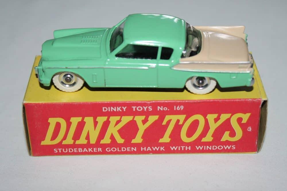 Dinky Toys 169 Studebaker Golden Hawk