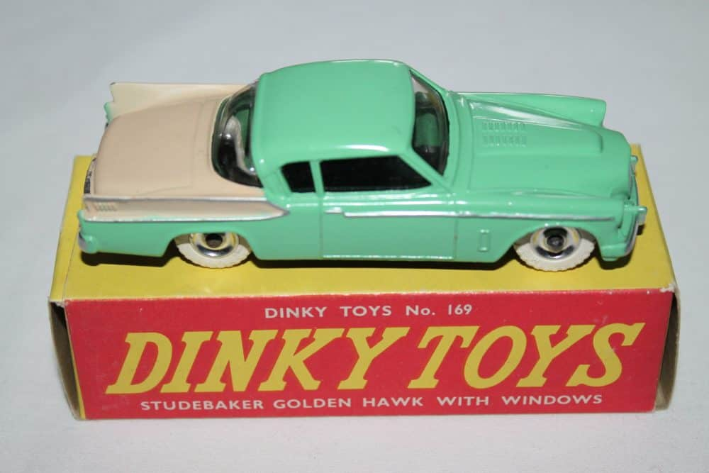 Dinky Toys 169 Studebaker Golden Hawk-side
