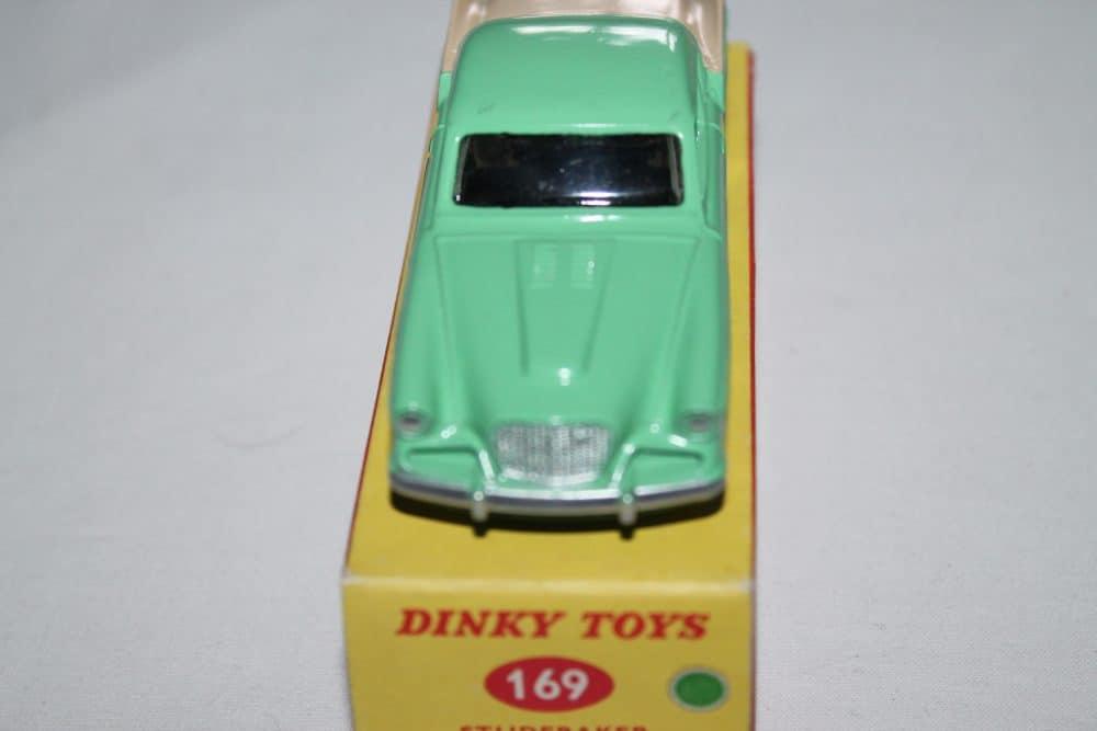 Dinky Toys 169 Studebaker Golden Hawk-front