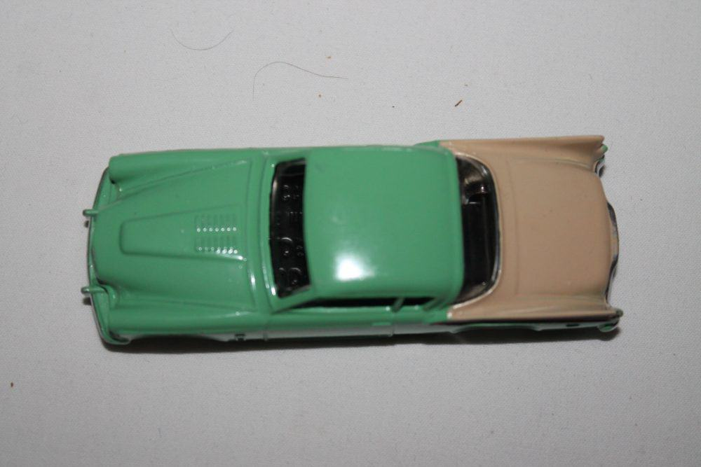 Dinky Toys 169 Studebaker Golden Hawk-top