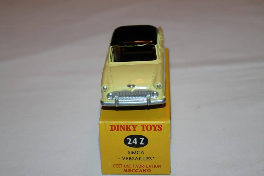 French Dinky Toys 024z Simca Versailles-front