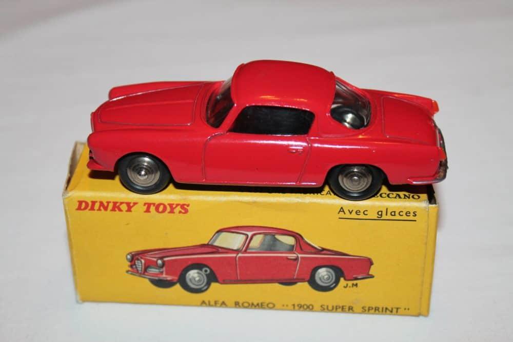 French Dinky Toys 024J Alfa Romeo 1900 Sprint
