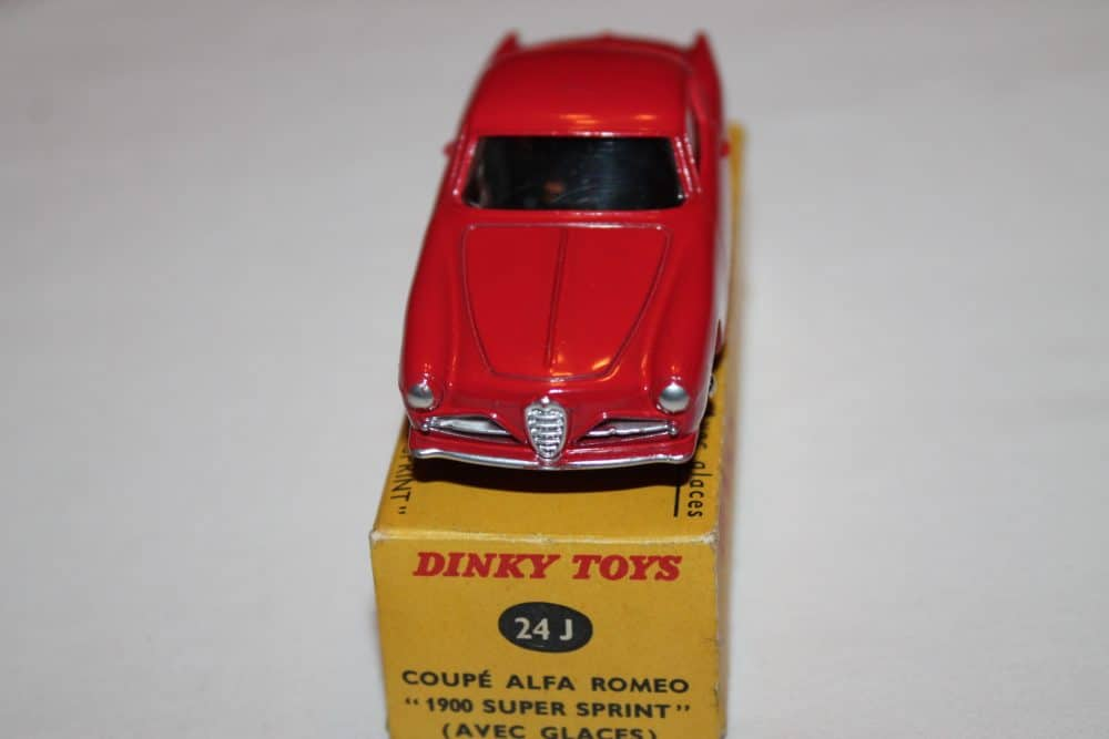 French Dinky Toys 024J Alfa Romeo 1900 Sprint-front