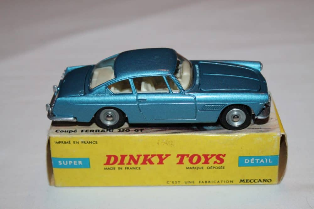 French Dinky Toys 515 Ferrari 2+2 Coupe 250 GT Pininfarina-side