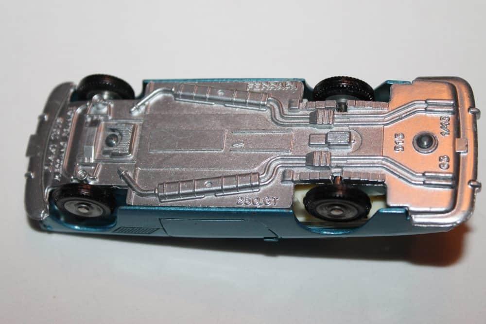 French Dinky Toys 515 Ferrari 2+2 Coupe 250 GT Pininfarina-base