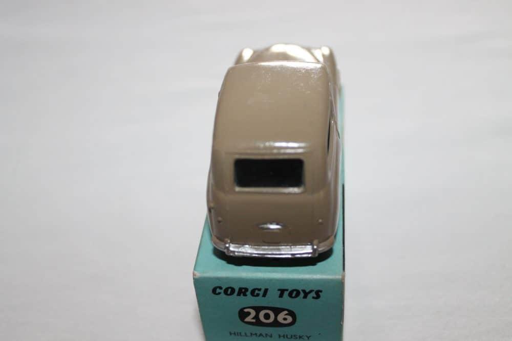 Corgi Toys 206 Hillman Huskey Estate-back