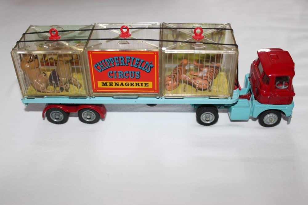 Corgi Toys 1139 Chipperfield's Menagerie-rightside