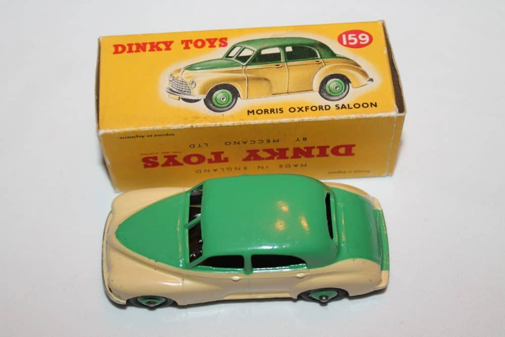 Dinky Toys 159 Morris Oxford-top